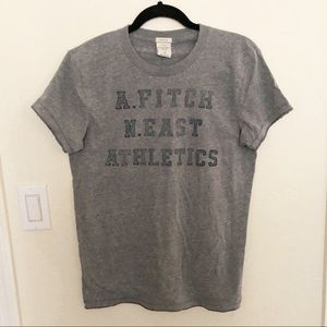 Abercrombie muscle fit graphic tee, S
